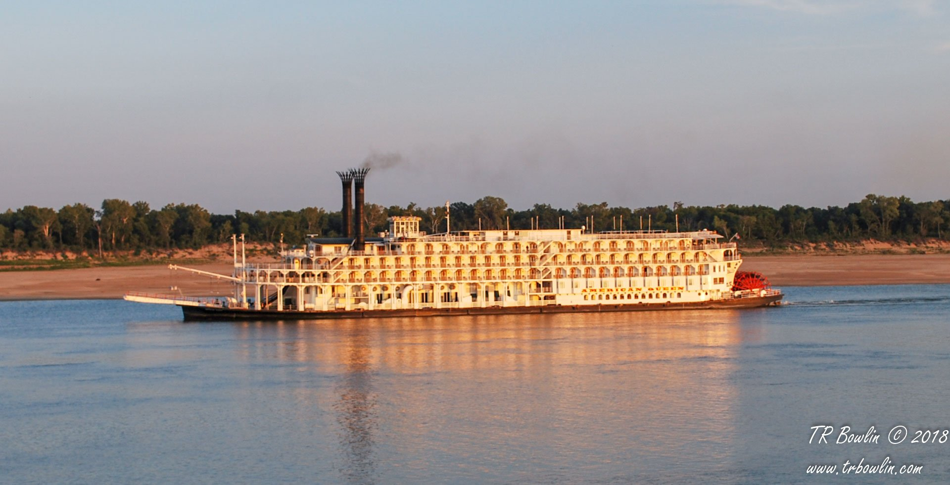 American Queen, Memphis, Mississippi River, Riverboat